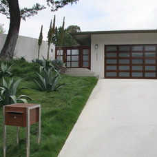 Contemporary Exterior by ecocentrix landscape architecture