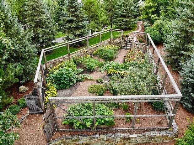 Rustic Garden by Landsburg Landscape Nursery