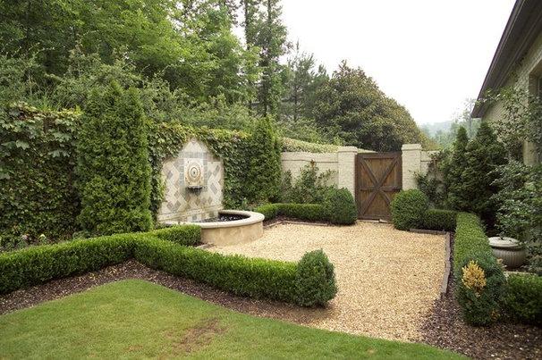 Rustic Landscape by Troy Rhone Garden Design