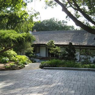 Entrance garden for Japanese-style home