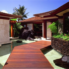 tropical entry by Saint Dizier Design