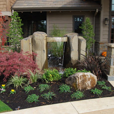 Transitional Landscape by All Oregon Landscaping