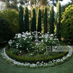 traditional landscape by Lenkin Design Inc: Landscape and Garden Design