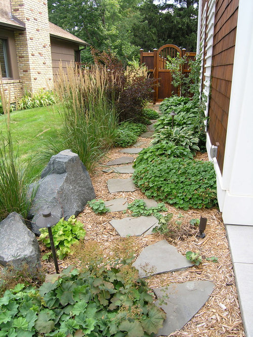 Yard Landscaping Mulch : Traditional side yard landscape design ideas remodels photos