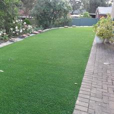 Traditional Landscape by Australian Lawn Wholesalers