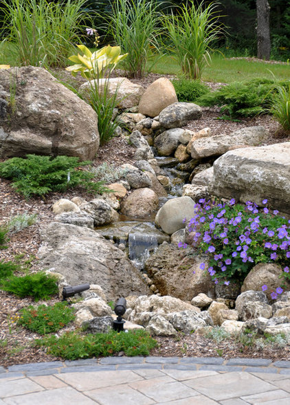 Traditional Landscape by Earthscape - Landscape Design & Build