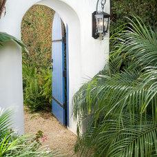 Mediterranean Landscape Estate Lantern