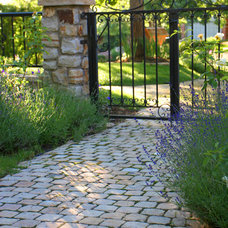Traditional Landscape by Willhite Design