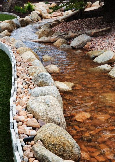 15 astuces pour am nager un bassin dans votre jardin. Black Bedroom Furniture Sets. Home Design Ideas