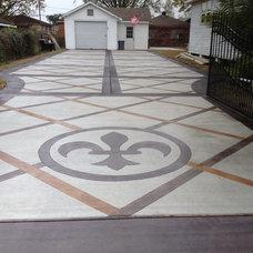 Traditional Landscape by Dan Lynch Concrete Floors
