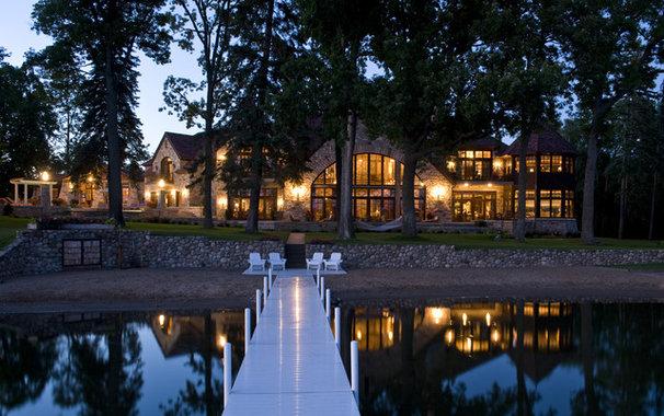 Traditional Landscape by Gabberts Design Studio