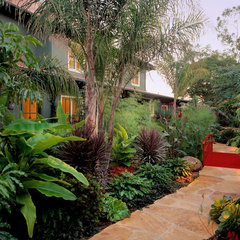 eclectic landscape by Tom Meaney Architect, AIA
