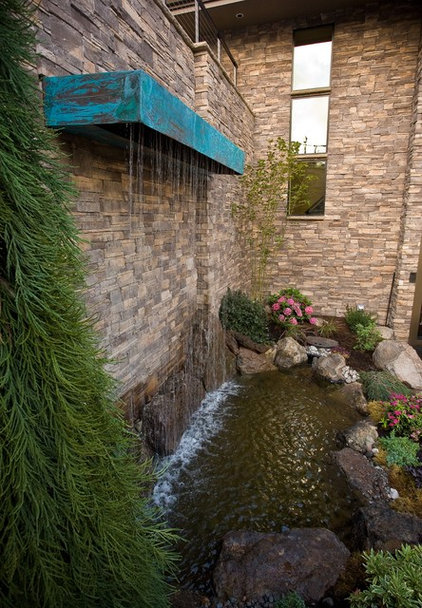 Traditional Landscape by Haggart Luxury Homes