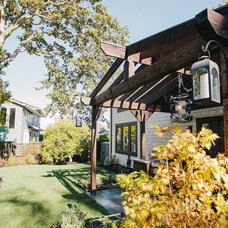 Traditional Landscape by ARYZE Development and Construction, Victoria BC