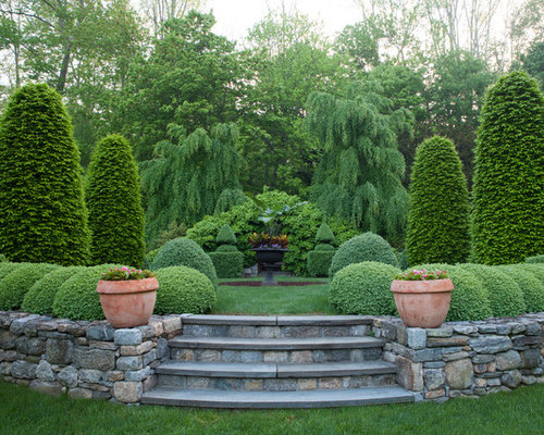 Delightful Design Ideas For A Traditional Full Sun Formal Garden In New York.