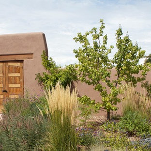 Photo of a southwestern courtyard landscaping in Albuquerque.