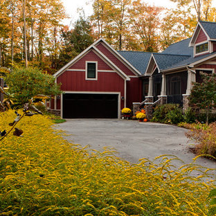 Photo of a farmhouse front yard driveway in Grand Rapids for fall.