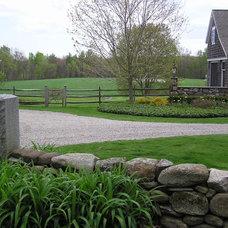 Farmhouse Landscape by Salmon Falls Architecture