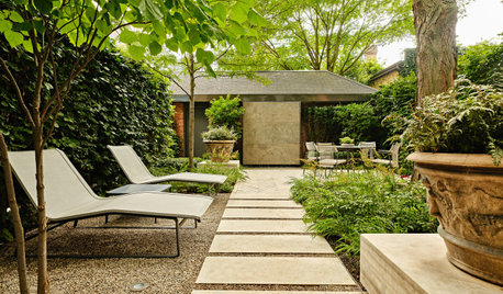 Patio of the Week: Fallen Leaves Inspire a Standout Water Feature