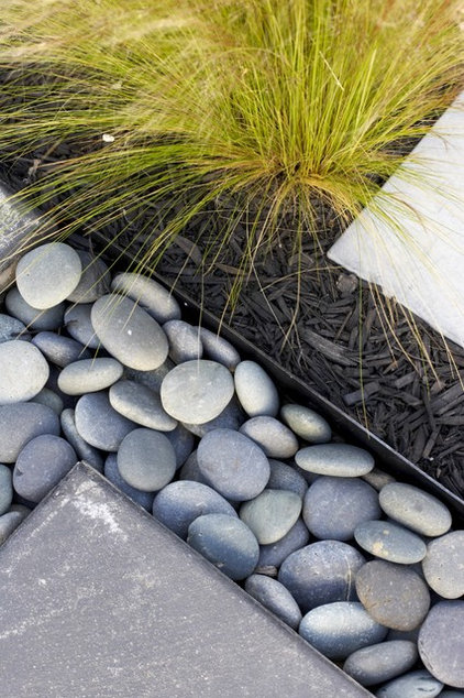 1000 images about rock it on pinterest river rocks dry for Smooth river rocks for landscaping