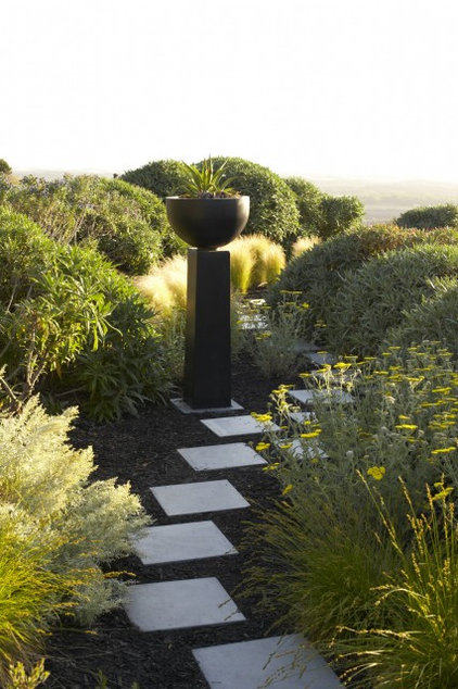 contemporary landscape by Jeffrey Gordon Smith Landscape Architecture