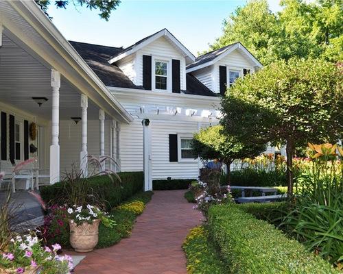 930 Farmhouse Front Yard Landscape Design Ideas & Remodel ... on Farmhouse Yard Ideas id=70422