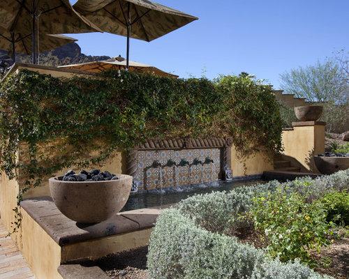 outdoor gestaltung mit gartenmauer mediterran ideen f r. Black Bedroom Furniture Sets. Home Design Ideas