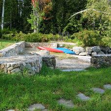 Traditional Landscape by Milestone Masonry
