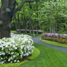 Traditional Landscape by Britton & Associates
