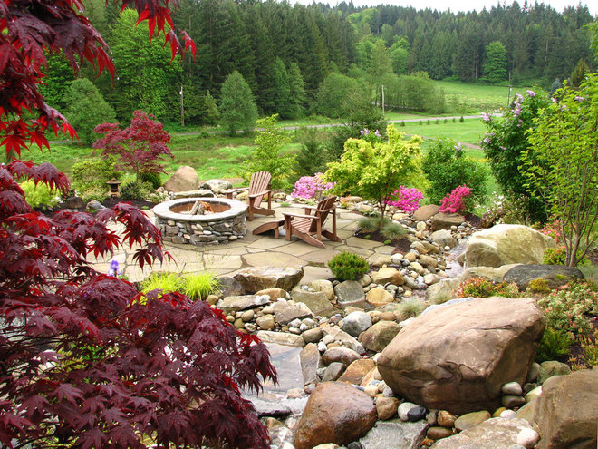 Traditional Landscape by Stock & Hill Landscapes, Inc.