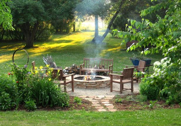 Rustikal Garten by Erin Lang Norris