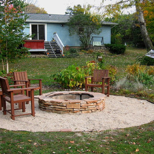 This is an example of a contemporary landscaping in Milwaukee.