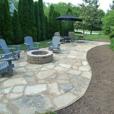Traditional Landscape by Wildwood Land Design
