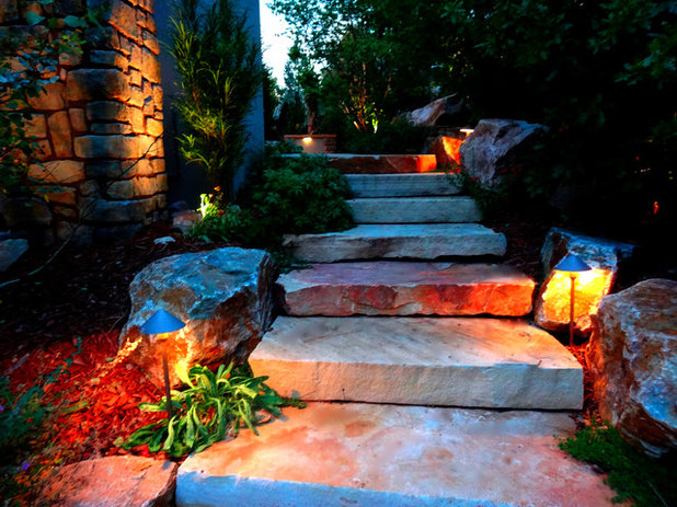 Rustikal Garten by Mile High Landscaping