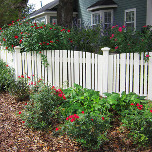 Design ideas for a landscaping in Miami.