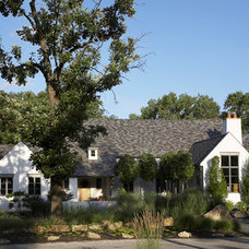 Traditional Landscape by Michael Abraham Architecture