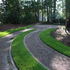Traditional Landscape by Hooten Land Design, Inc.