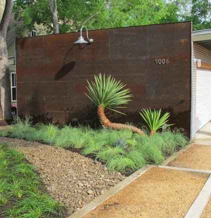 Modern Landscape by Working Nature LLC