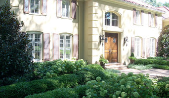 Formal garden for Mediterranean stlye home