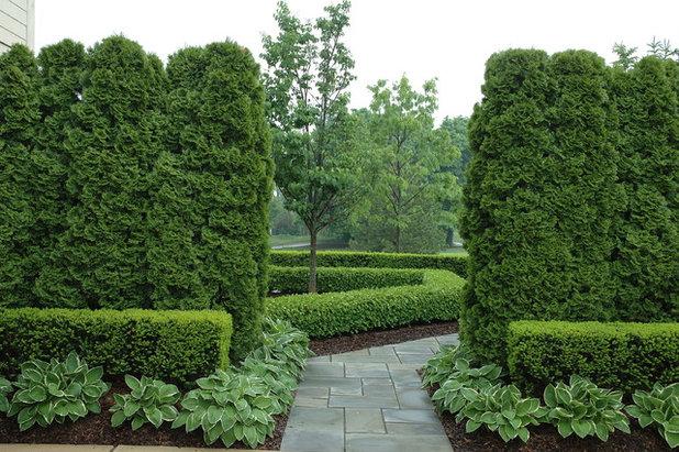 Classique Jardin by Land Architects, Inc.