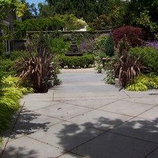 Traditional Landscape by Brooks Kolb LLC Landscape Architecture