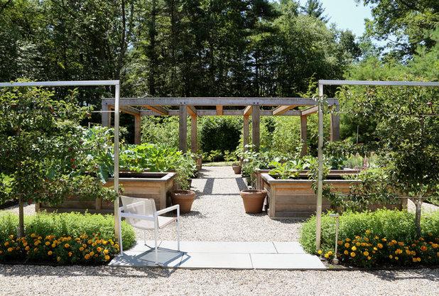 Landhausstil Garten by Offshoots, Inc.
