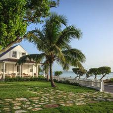 Tropical Landscape by Laura Hay DECOR & DESIGN Inc.