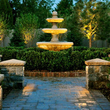 Traditional Landscape by Browne and Associates Custom Landscapes