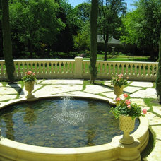 Traditional Landscape by Harold Leidner Landscape Architects