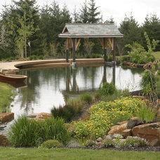 Traditional Landscape by Lovinger Robertson Landscape Architects