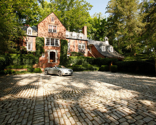 Design Ideas For A Traditional Driveway In Louisville With Brick Pavers