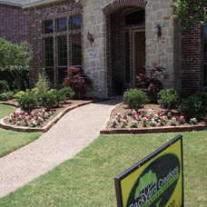 Traditional Landscape by Backyard Creations, LLC