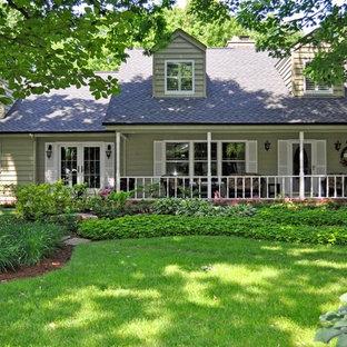 Idee per un giardino in campagna in ombra di medie dimensioni e sul tetto in estate con un giardino in vaso e pavimentazioni in mattoni