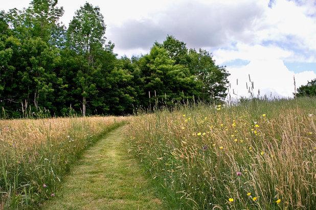 Klassisch Garten by Matthew Cunningham Landscape Design LLC